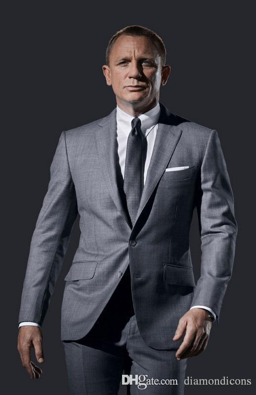 Daniel Craig Suits Spectre