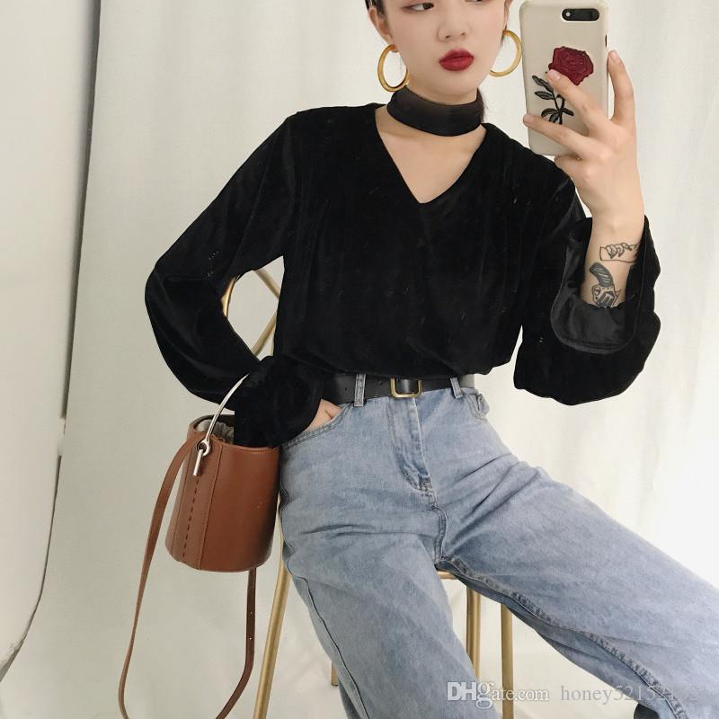 Осень новая мода женская ретро холтер шеи v-образным вырезом выдалбливают вспышки рукав бархат свободные рубашки топы розовый черный коричневый 3 цвета