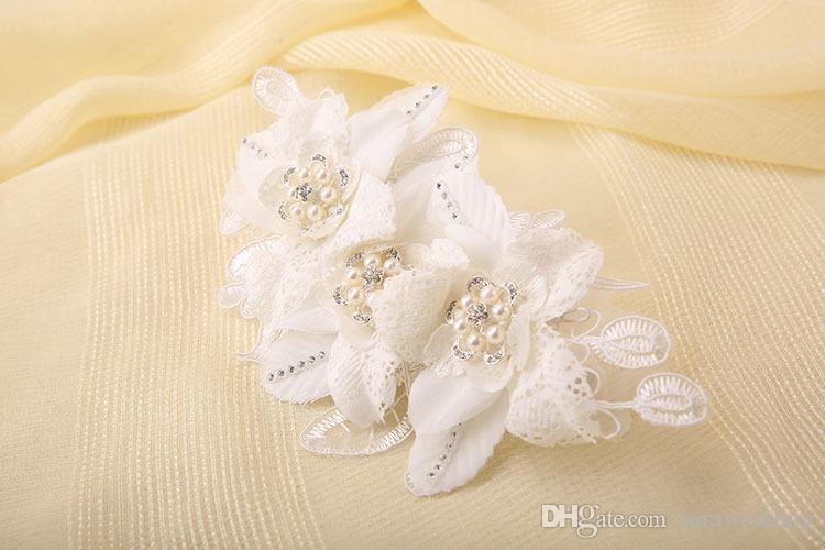 Wedding Bridal Handmade lace White Flowers Pearl Hair Combs Tiara Headwear Barrettes Wreath Headdress Hair Jewelry 2018 Hair Jewelry Accesso
