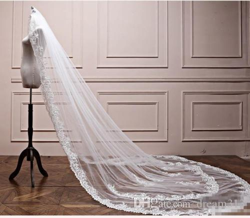 Newest Best Selling Luxury Real Image Wedding Veils Three Meters Long Veil Lace Applique Crystals one Layers Cathedral Length Cheap Bridal