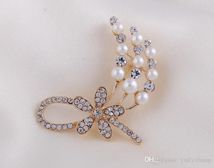 Fashion pearl brooch pinsHight Quality White Crystal pin Brooch Bouquet Rhinestone Brooches pin 2016 wedding dress accessoriesB076