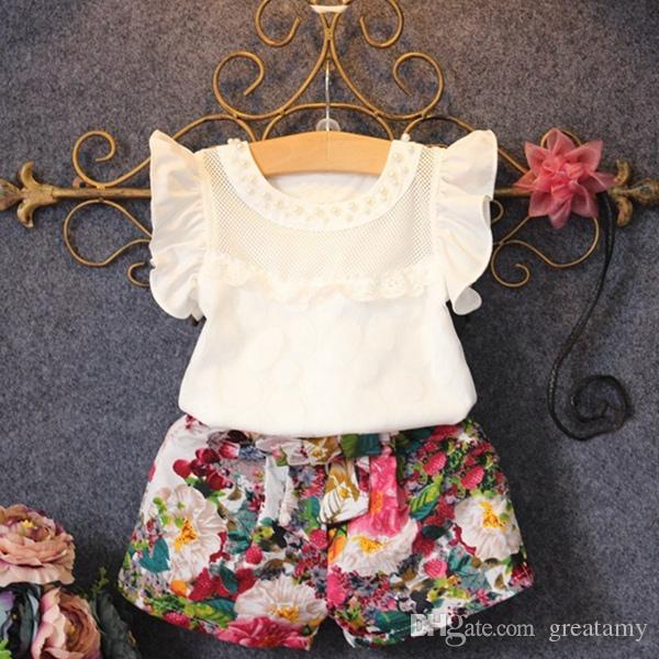 Nuova moda Cute Baby Girls Clothes Set Estate Petal Sleeve T-Shirt Top e Floral Shorts Little Girls Outfit Set