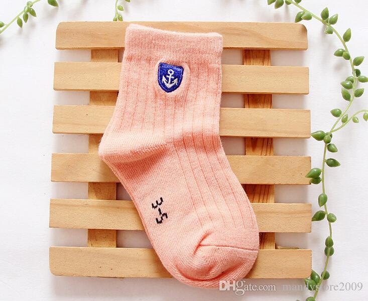 Gekämmte Baumwolle 12 Farben Socken Für Kinder Bunte Bonbonfarben Kinder Socken Angenehm Weiche Anchor Stickerei Socken Für Jungen Und Mädchen