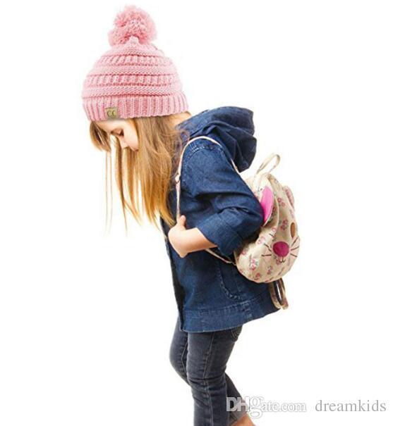 Hiver Tricoté Laine Bébé Chapeau Unisexe Fille Garçon Enfants Plis Décontracté CC étiquetage Bonnets Couleur Unie Hip-Hop Skullies Casquette