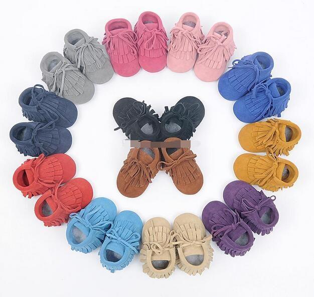 Bebek moccasins yumuşak taban 100% hakiki deri ilk yürüteç ayakkabı Düz Renk bebek deri yenidoğan ayakkabı Püsküller maccasions boot / bootie