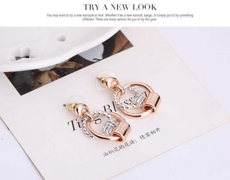 최신 간단한 크리스탈 목걸이 귀걸이 세트 패션 여성 액세서리 18kgp 라운드 쥬얼리 2 색 / 설정 61152069