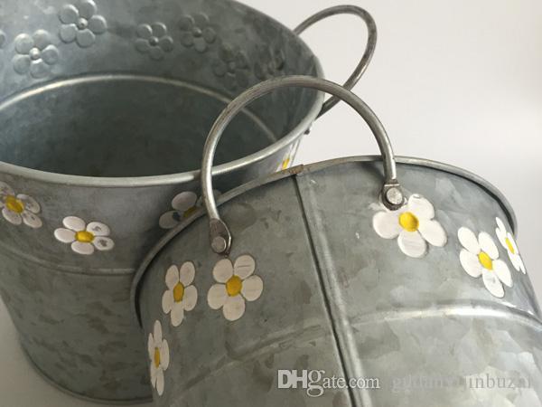 Wholesale D15XH15CMD5.9inch*H5.9inch Round Galvanized Zinc metal Planter Flower Pots bucket with 2 handle Fretwork Urns