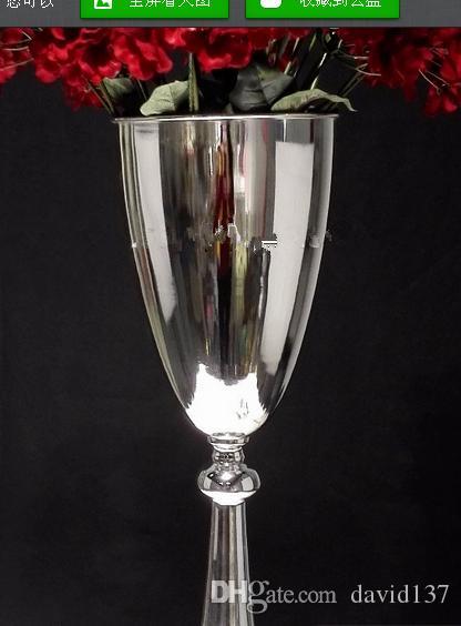 ВАЗа цветка трубы вазы металла венчания декоративная с большим шаром