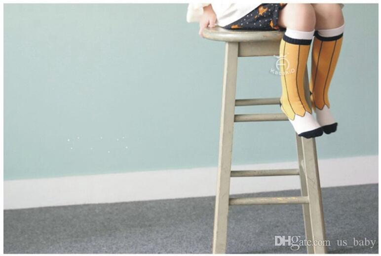 아기 연필 인쇄 귀여운 양말 어린이 소년 소녀 노란색 검은 색 양말 유아 따뜻한 무릎 양말 양말 2styles는 2size