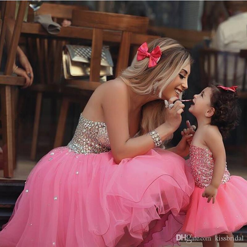 Escuela secundaria / universidad Short Mini Cocktail Party Sexy Prom Vestido para madre e hija Pink Beaded Short Homecoming vestidos