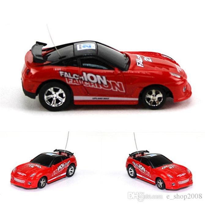 Free Epacket color Mini-Racer Remote Control Car Coke Can Mini RC Radio Remote Control Micro Racing 1:64 Car 8803 children toy Gift