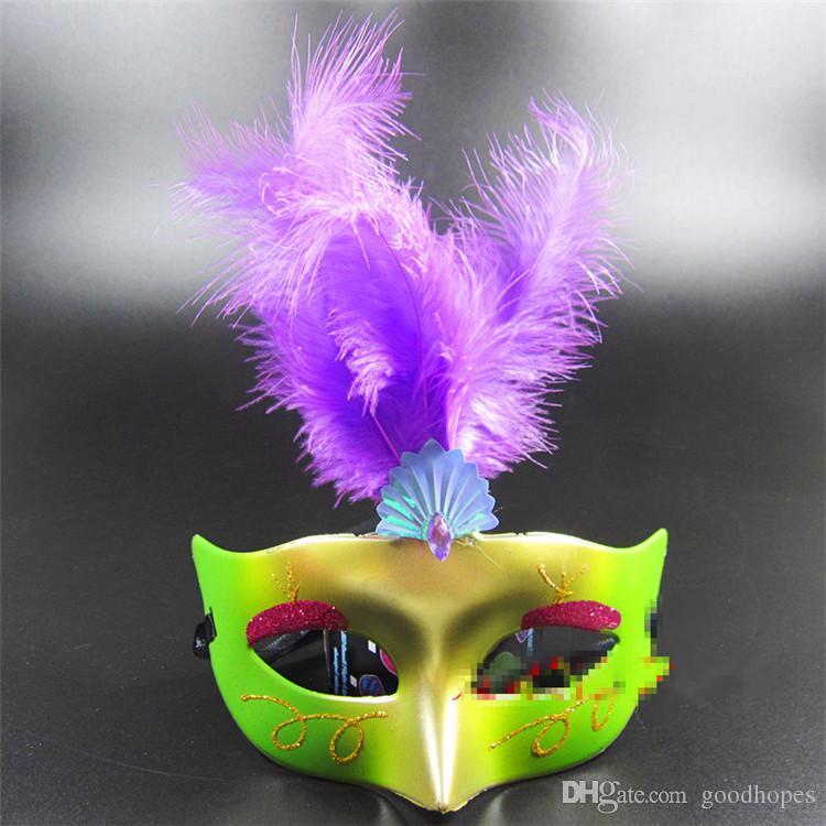 Maschera mascherata della piuma della lanugine Maschera veneziana della principessa della polvere dell'oro di modo Maschera sexy del partito di Halloween delle donne Lady