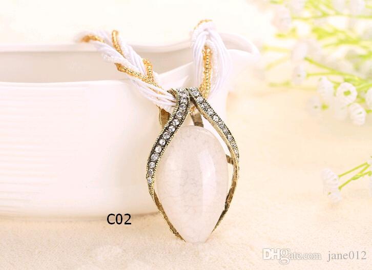 Gem Stone Teardrop Kristall Anhänger Halsketten aushöhlen China Style National Bead und Seil Kette Schmuck