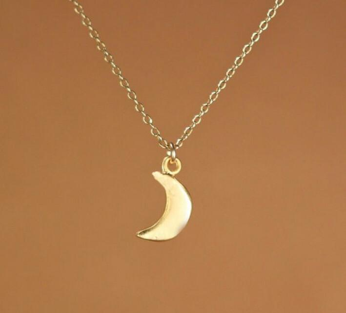 - 18k chapado en oro collar de moda simple sexy pequeña luna colgante, collar de regalo para las mujeres al por mayor envío gratuito