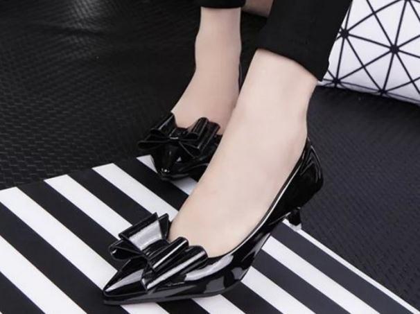 Chaussures à talons pointus Asakuchi arc coréen avec confort in fine avec chaussures chaussures scoop travail