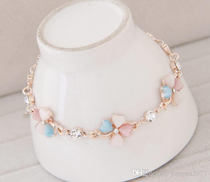 Raffinatezza di fascia alta Moda coreana Accessori gioielleria raffinata OL Opale ceco Impianto di perforazione trifoglio Bracciale in oro con catena a catena in argento le donne