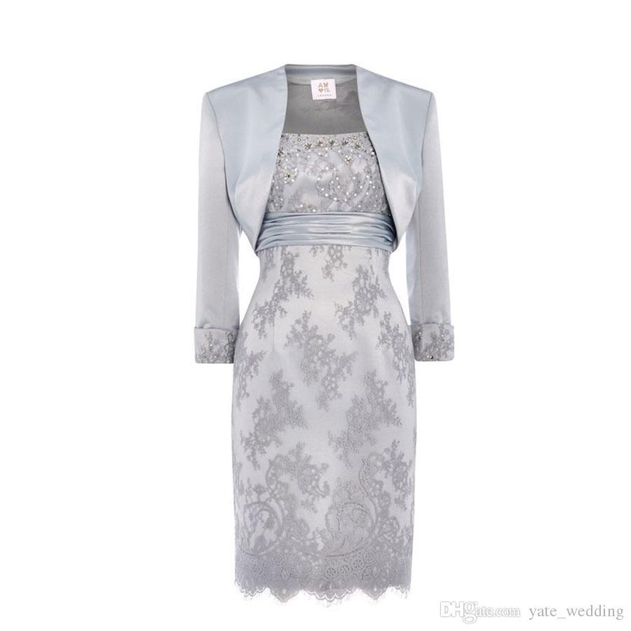 Laço de prata Mãe Da Noiva Vestidos Colher De Lantejoulas Frisada De Cetim Na Altura Do Joelho Mãe Vestidos De Noiva Com Jaqueta Vestidos Curtos