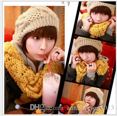 Korea Autumn Winter Fashion Big Buds Style Globose Twist Knitted Hat Polo cap Wool Beret Fashion Berets Hats Caps