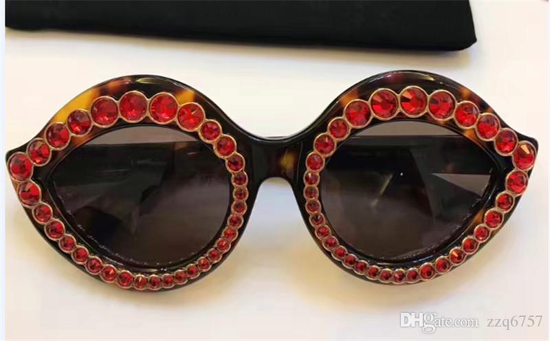 Fashion popular avant-garde style charming lips shape with diamonds frame top quality UV protection eyewear with original box 0045