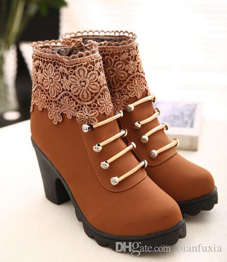Women's Stylish Snake Patterned Round Toe Short Martin Boots Low Block Heel Lace up Ankle Booties