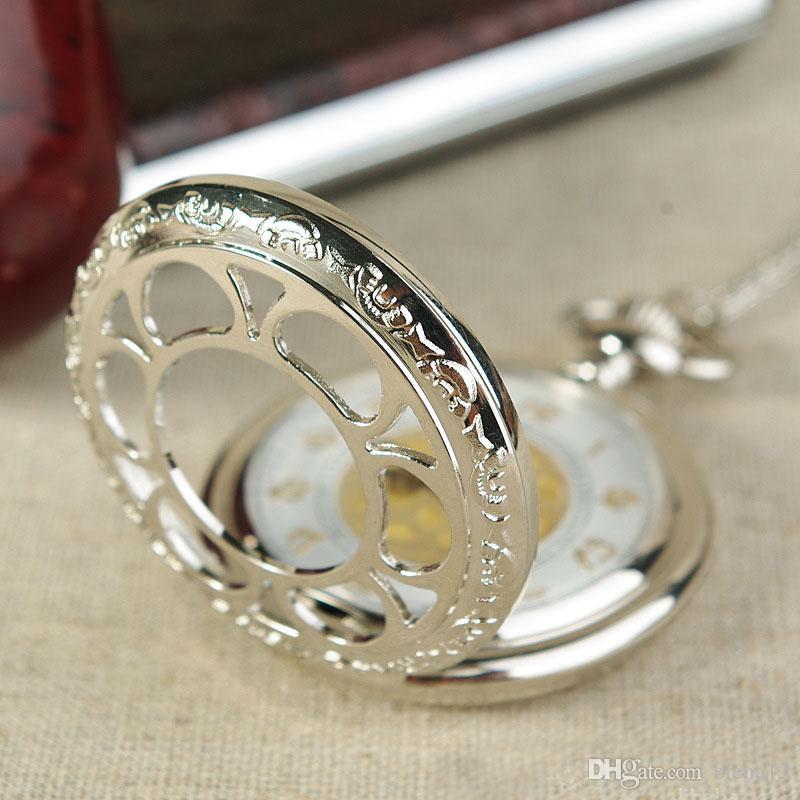 Chiffre d'or creux fleur poche montres Antique Silver Round Fob Watch Quartz Watch médaillon colliers femmes Noël bijoux cadeau 230229