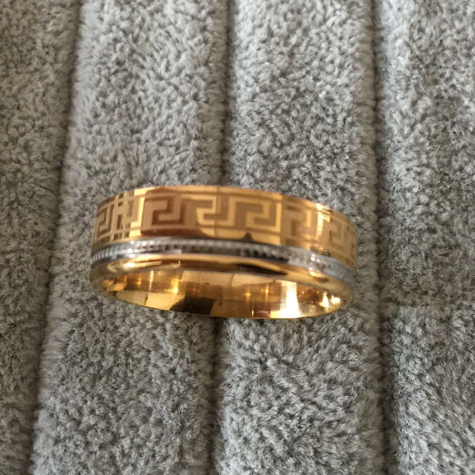 Anello di lusso grande 8mm 316 titanio acciaio inossidabile placcato in oro giallo 18 carati chiave greca anello di nozze uomo donna argento oro 2 toni