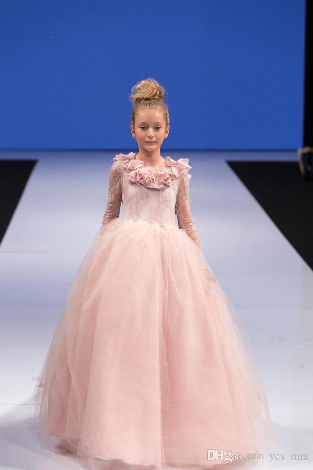 2019 Cute Pink Girls Pageant Dresses Jewel Neck Lace Appliques Flowers Tulle Sweep Train Open Back Kids Girls Dress Birthday Communion Gowns