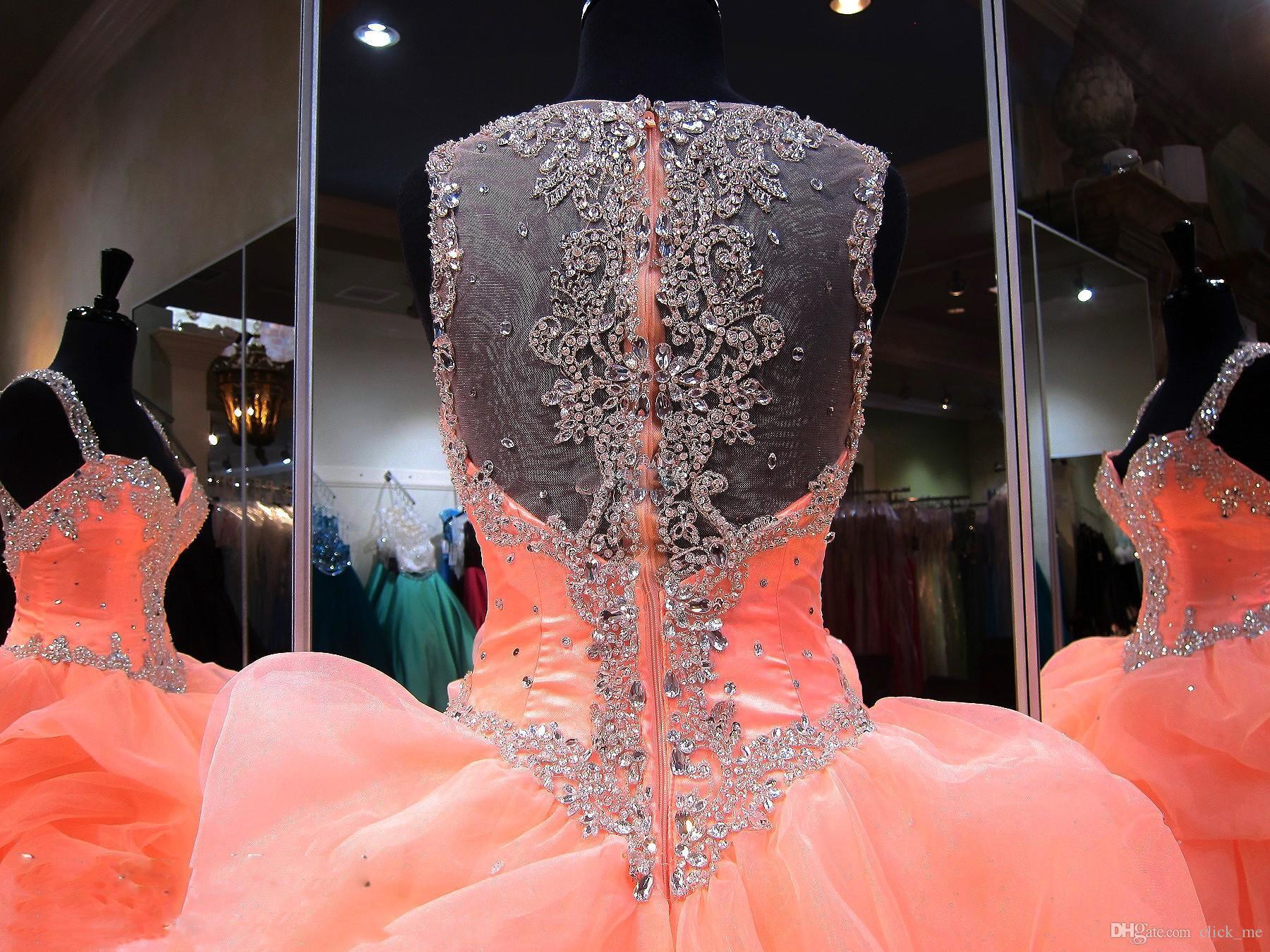 Abiti Quinceanera Ball Gowns Tiered Skirt Ruffles Perline Cristalli Organza Sweetheart Girls Pageant Dress Sexy Back Sheer Graduation Gowns