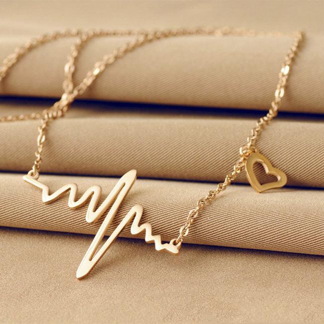 2016 أنثى أوروبا ecg قلادة شكل قلب 18 كيلو روز الذهب المعلقات الترقوة سلسلة الياقات الملحقات إرسال النساء هدية عيد
