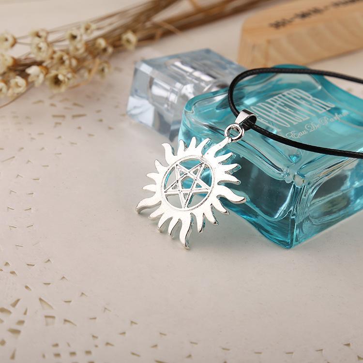Único Pentagrama Sobrenatural Dean Símbolo Anti-Posesión Collar de Aleación de Plata Colgante Collares Accesorios de Cadena de Moda DHL Libre