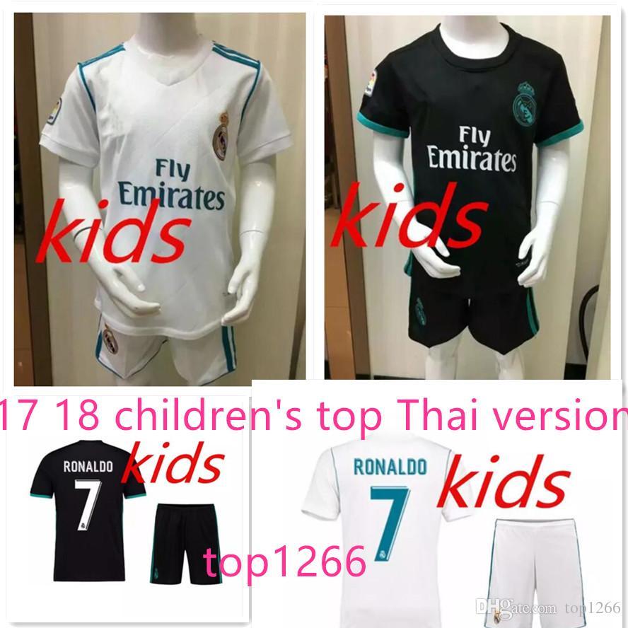 b1f89690759 Best Top Quality 17 18 Real Madrid Kids Soccer Jersey Kits Youth Boys Child  Jerseys Kits 2017 2018 Ronaldo Bale Isco Goalkeeper Football Kit Under  $19.1 ...