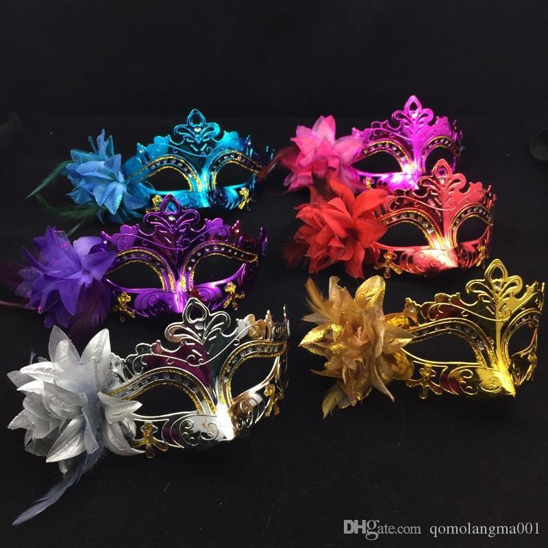На продажу золотое покрытие партии маски половина лица женщины маски перо цветок в сторону Венецианский Маскарад Маска Mix цвет бесплатная доставка