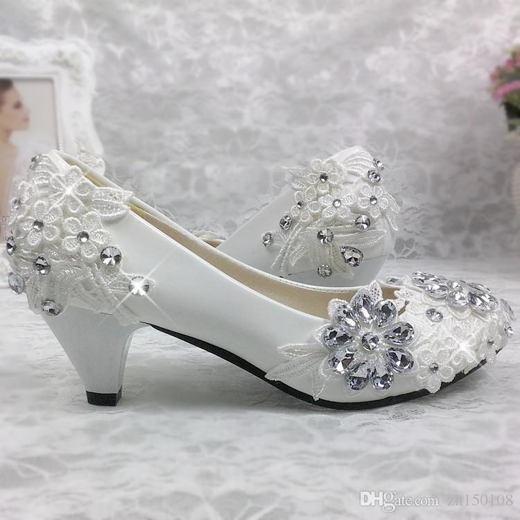 Lace White Wedding Shoes Princess Crystal Pearl Bride Shoes Bridemaid Shoes  Low Heel Flat Bridal Shoes Glitter Pumps From Zh150108, $32.91| Dhgate.Com