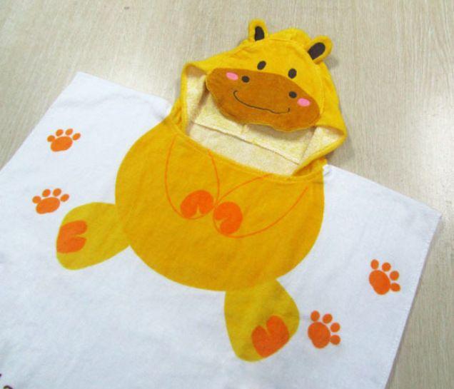 Winter Kids Cartoon Swim Towels Cute Kids Keep Warm Bath Towels Bees Cloak Animal Print Angle Bathrobe Cotton Poncho Hooded Robe