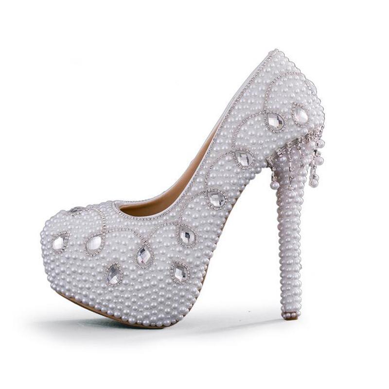 51910fa92bd83 Acheter Mode Femmes Printemps Robe Chaussures De Haute Qualité Handamde  Blanc Perle Pompes De Mariage Mère De La Mariée Chaussures Talons Hauts De  Mariée De ...