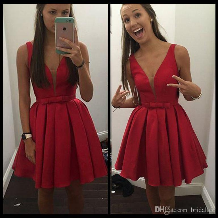 Großhandel Charming V Ausschnitt Red Satin Abendkleid Kurze ...
