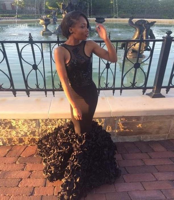 2017 African Sexy Black Mermaid Prom Dresses Hand-made Flowers Train Backless Evening Celebrity Gowns Custom Made Sleeveless