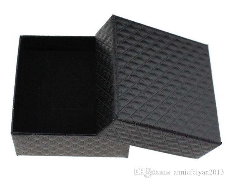 Tamaño 7.3 * 7.3 * 3.5 cm Joyas / Joyas Collar Pendientes Anillos Conjuntos Regalos Embalaje Paquete Empaquetado Exhibición Mostrando Caja con Bowknot