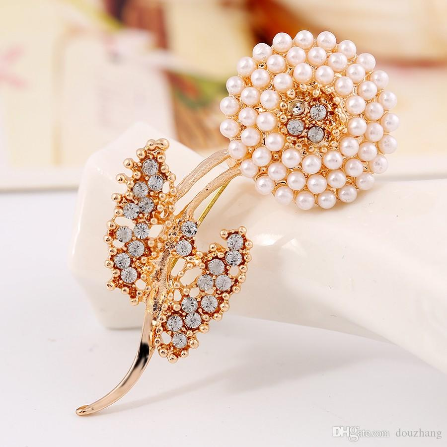 Trendy New Crystal Rhinestone Leaf Simulated Pearl Flower Brooch Pin Gold Plated Brooches For Gift Jewelry Wholesale
