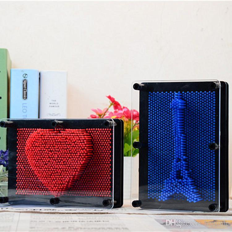 Brinquedo de plástico engraçado jogo Pinart 3D clone forma pin arte variedade colorido agulha criança obter face modelo de palma brinquedo