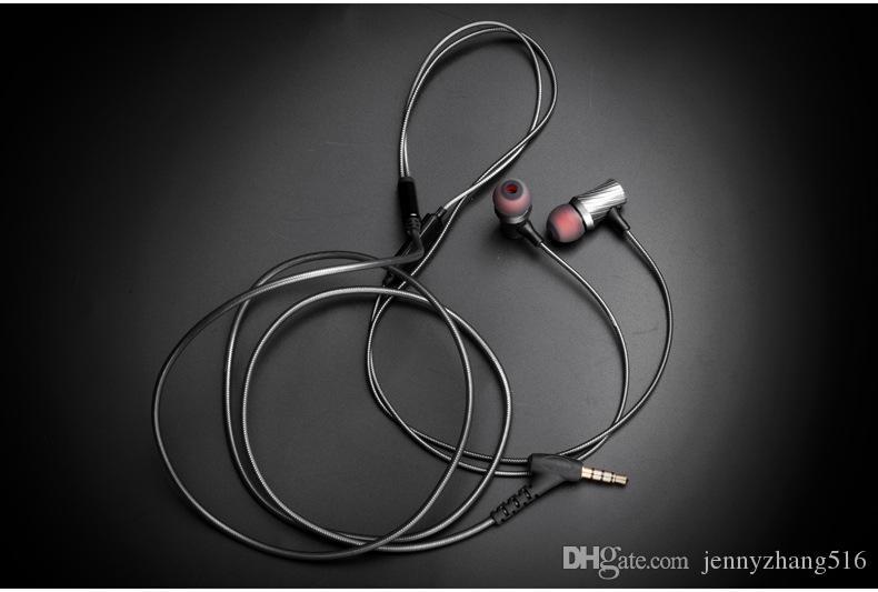 100 ٪ الأصل YHC D03 فاخر ستيريو باس سماعات التصنيع باستخدام الحاسب الآلي سماعة معدنية مع مايكروفون لفون Xiaomi سامسونج