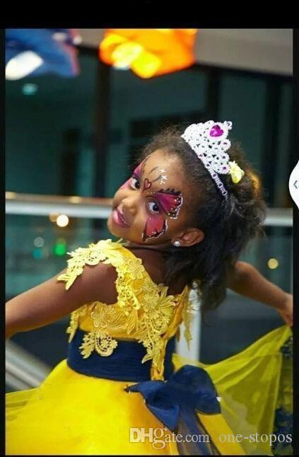 Vintage Żółta Princess Długość Płaskie Suknie Dziewczyny Koranki Suknie Kwiat Dziewczyna Dress Na Wesela Koronkowe Aplikacje Urodziny Dresy