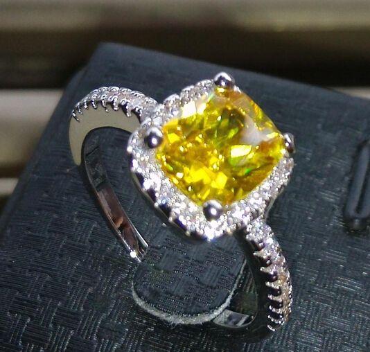 Venta al por mayor - Tamaño 5/6/7/8/9/1 0 Joyería de moda de alta calidad plata 925 lleno de topacio amarillo princesa corte Topaz Gem Mujeres anillo de bodas para el amor