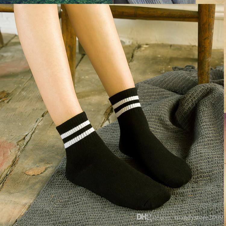 I calzini del cotone del nuovo stile di Preppy tagliano le donne casuali calzini i calzini multicolori di stile giapponese della Corea dei calzini di signora di colore