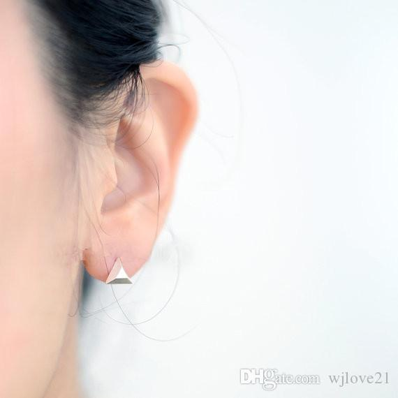 In 2016, the latest version of the lovely earrings new wholesale fashion jewelry, gold and silver pink brush triangle stud earrings