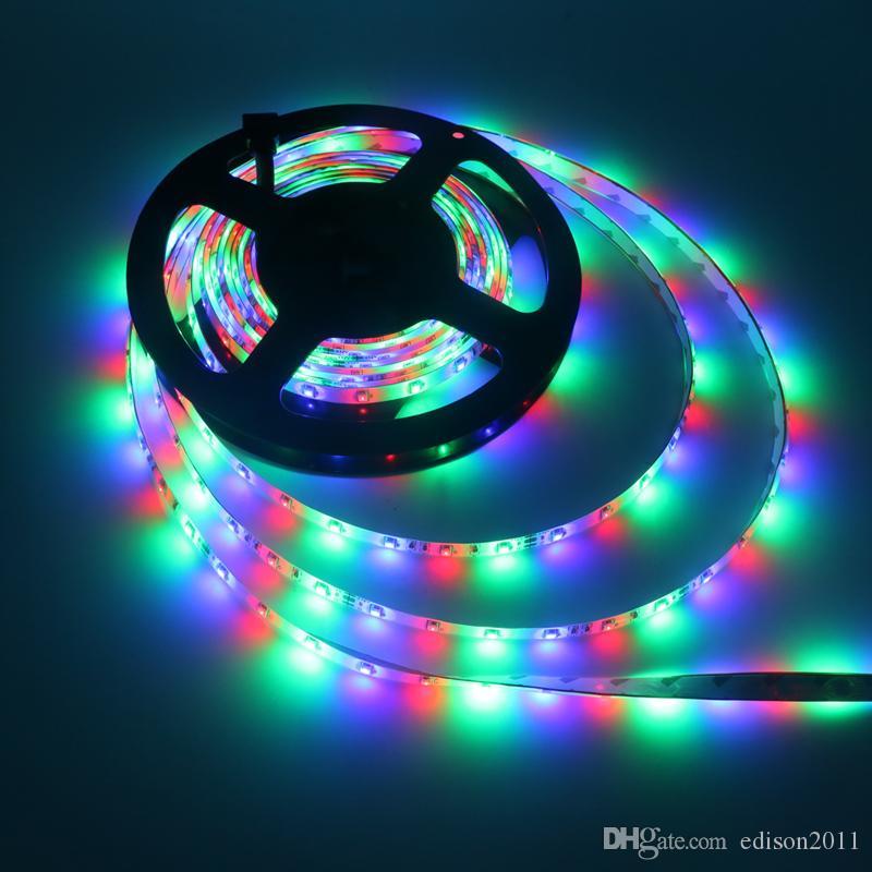 Luz de tira de LED RBG no impermeable 3528 SMD 60LEDS / M DC 12V Escritorio de Navidad Lámpara de decoración LED Cinta de cadena Cinta