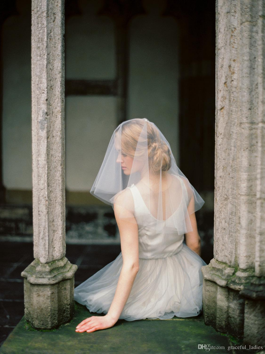 Fly Circle Away Wedding Veil Raw Edge Blusher Veils Drop Veil With Combs Shoulder Length 21 inches/53cm One Layer
