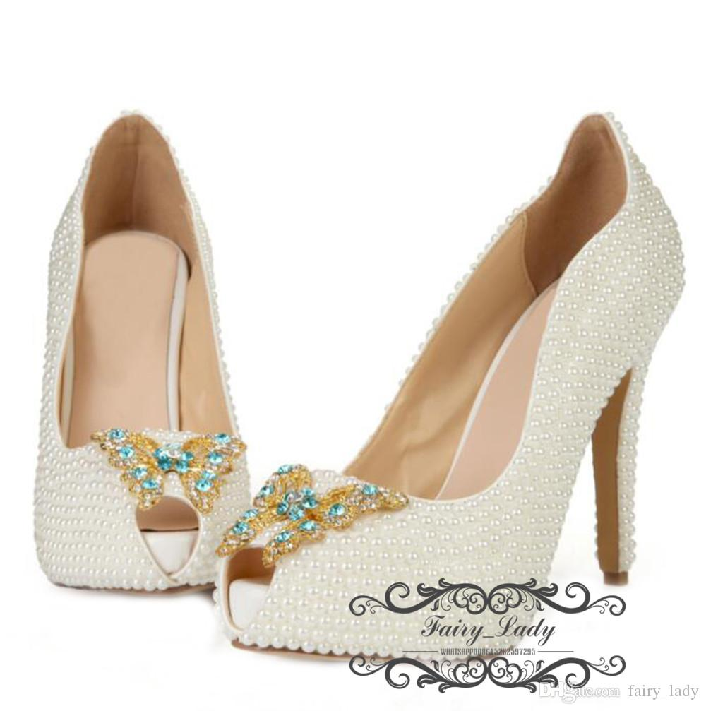 2018 Luxury Pearls Rhinestone Wedding Shoes With Butterfly Pattern Peep Toe 8 CM High Heel Comfortable Women Pumps Bridal Party Gowns