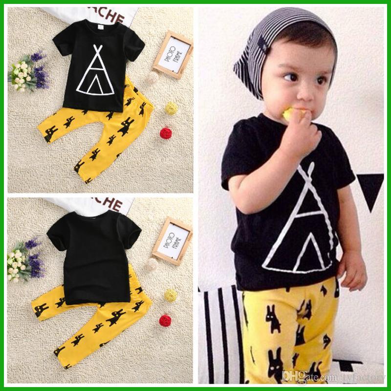2016 heißer verkauf kleinkind sommer junge outfits Oansatz schwarz kurzarm t-shirt geometrische styleanimal gelb hosen junge kleidung