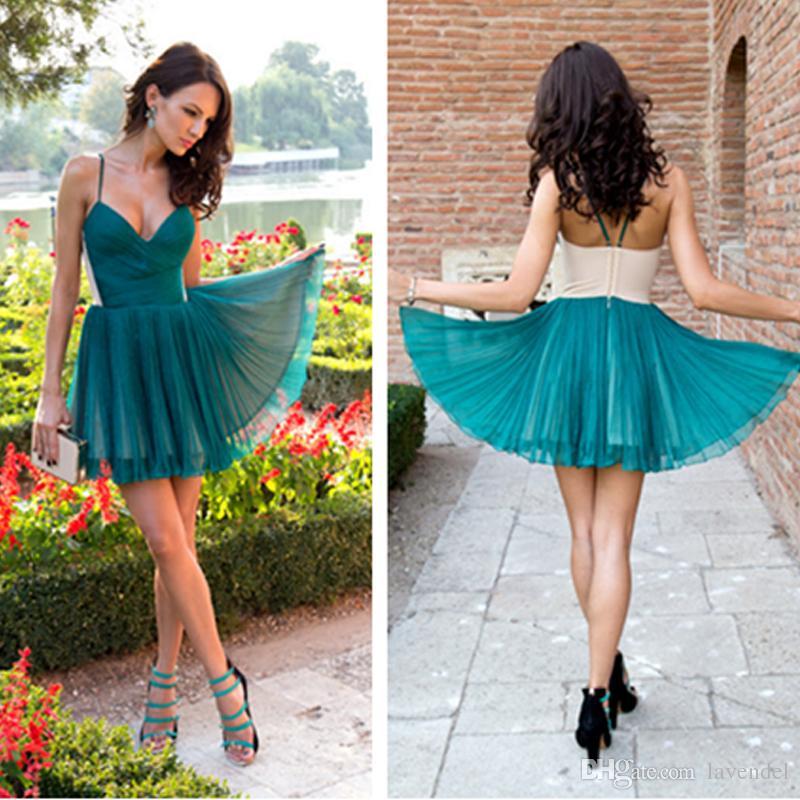 6af5c25862b Großhandel 2018 Dark Green Homecoming Kleid Sexy V Ausschnitt Spaghetti  Strap Homecoming Kleid Kurzes Kleid Cooktail Neue Ankunft Von Lavendel